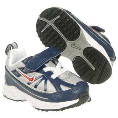Nike Shoes on Nike Kids Little Dart Shoes The Durable And Flexible Velcro  Shoes