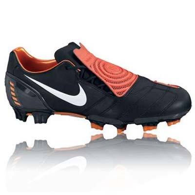 Nike Total 90 Strike II Football Boots